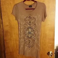 Sequined t-shirt Brown, long,  capped sleeve t-shirt with design on front and back.   Really cute!  Sequence on front design only.   Wore a few times and still in good condition. Daytrip Tops Tees - Short Sleeve