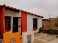 Fotos de Vendo comoda  casa 185 Ubr. los tacariguas, Paraparal Los Gu