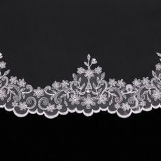 silver_embroidered_wedding_veil_1590_detail.jpg (1280×1280)
