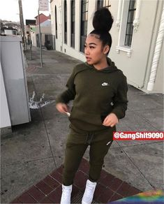 baddie outfits for summer Teenage Outfits, Chill Outfits, Tomboy Outfits, Teen Fashion Outfits, Fashion Ideas, Fashion Fashion, Nike Outfits, Cute Swag Outfits, Winter Swag Outfits