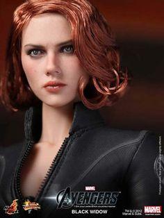 Figura de luxo *impressionante* da Viúva Negra - Hot Toys.