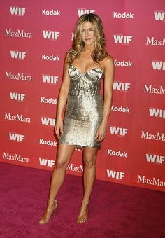Jennifer Aniston Photos - Celebrities attend the Women in Film 2009 Crystal And Lucy Awards at the Hyatt Regency Century Plaza Hotel. - Women In Film 2009 Crystal And Lucy Awards - Arrivals Jennifer Aniston Dress, Jeniffer Aniston, Jennifer Aniston Pictures, Amanda Holden, Beautiful Legs, All Fashion, Beautiful Celebrities, Sexy Outfits, Celebs