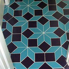 Penrose Tiled bathroom floor