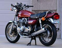 Kawasaki KZ1000 - Rear Left