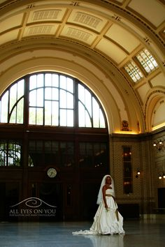 Bridal portrait at the train station