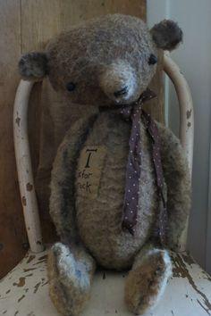 Tuck- Another handmade bear from The Button Box by Lynn Stockhausen buttonboxprimitives.blogspot.com