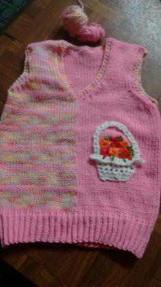 Chaleco bicolor con detalle de Crochet