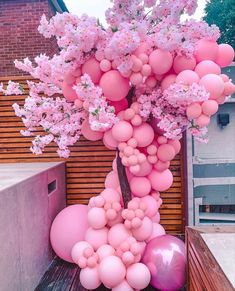 Diy Baby Shower Decorations, Balloon Decorations Party, Birthday Party Decorations, Birthday Parties, Balloon Tree, Balloon Garland, Balloon Backdrop, Balloon Columns, Baby Party