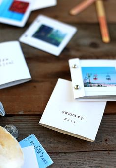 Save your photos in mini memory albums.