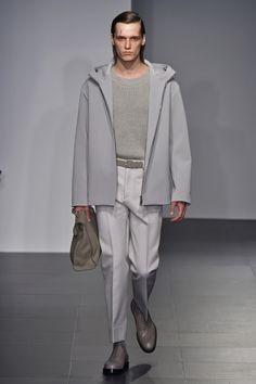 Jil Sander   Menswear - Spring 2017   Look 6 Army Coat, Jil Sander, Alexander Mcqueen, Menswear, Spring Summer, Normcore, Mens Fashion, Fashion Inspiration, Neutral