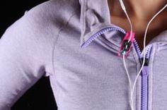 O!Snap Headphone Holder - A Headphone Clip for Athletes