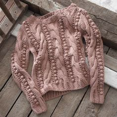 This is a knitted sweater, but I may be able to replicate it in Crochet! Crochet Cardigan Pattern, Sweater Knitting Patterns, Knitting Designs, Knit Patterns, Baby Knitting, Knitwear Fashion, Knit Fashion, Mode Crochet, Knit Crochet