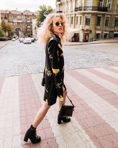 Street style by Anna Pogribnyak Street Style, Outfits, Fashion, Moda, Suits, Urban Style, Fashion Styles, Street Style Fashion, Fashion Illustrations