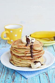 Zabpehelylisztes-banános amerika palacsinta Cake Cookies, Pancakes, Breakfast, Healthy, Recipes, Food, America, Morning Coffee, Eten