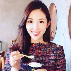 Beautiful Ladies I found on Instagram\(o)/#Jazz#LP#CD#Food#Dishes#Love#Osaka#kitashinch#Bar#Bartender#Fashon#Showa#Moscow#Otokomae#Kaiseki#Soba#Tempura#Boxing#Moga#Disks#Travel#wine