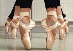 ballet dancers on pointe