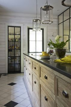 Cuisine European Style Homes, Fresh Farmhouse, Country Farmhouse, Style Pantry, Scandinavian Kitchen, Beautiful Kitchens, Cool Kitchens, Rustic Kitchens, Bedroom Styles