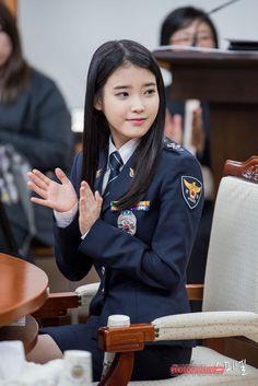 Best Uniforms, Girls Uniforms, The Rok, Bali Girls, Women Ties, Female Soldier, Military Women, Asian Celebrities, Poker Online