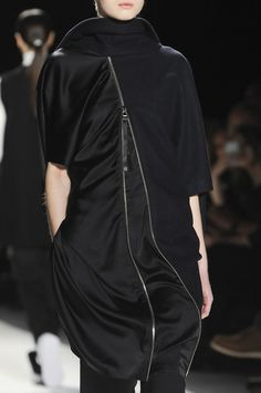 Short black dress with zip front; sports luxe fashion details // Parkchoonmoo
