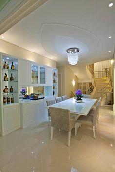Casa Porto Seguro: Salas de jantar modernas por Arquiteto Aquiles Nícolas Kílaris