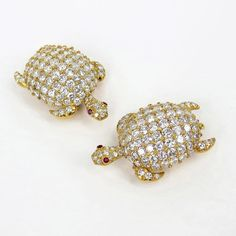 Vintage Pair of 17ct Diamond & Ruby Sea Turtle 18K Yellow Gold Brooches