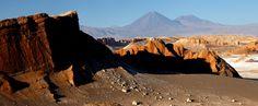 Éste es el Valle de la Luna en Argentina. Este es un lugar famoso de las turistas.