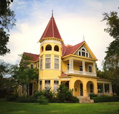 Kennard House, Gonzales, Texas. Credit 25or6to4