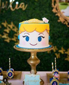 #arquiteturadeinteriores#arquitetura #arq #arquiteturaeurbanismo #arquiteto #arquiteta #arqdecor #instaarq #arquitecta… Beauty And Beast Cake, How Sweet Eats, Themed Cakes, Cake Toppers, Cinderella, Birthday, Party Ideas, Instagram, Felt Cake