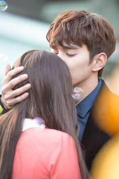 Watch I m Not a Robot Korean Drama 2017 Engsub is a A man has never had a girlfriend due to his allergy of other people He meets a robot and falls in love with the robot Yo Seung Ho, Korean Drama 2017, The Man Who Laughs, Korean Tv Series, Blind Girl, Watch Drama, My Love From The Star, Harry Potter, Baby Faces