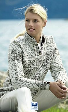Dale of Norway ~ a truly beautiful pattern and colour combination ……. Ins… Dale of Norway ~ eine wirklich schöne Muster- und Farbkombination ……. Nordic Pullover, Nordic Sweater, Fair Isle Pattern, Fair Isles, Fair Isle Knitting, Sweater Shop, Mode Inspiration, Knit Patterns, Sweater Knitting Patterns