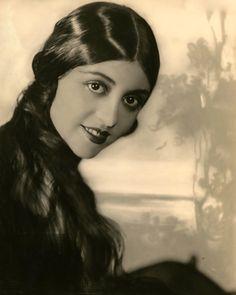 maudelynn:  Evelyn Terry byGeorge Maillard Kesslere c.1922