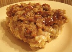Definitely going to have to try these!!!  Six in the Suburbs: Caramel Apple Cheesecake Bars