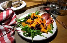 Alpenküche: Muskatkürbis mit Speck und Salat