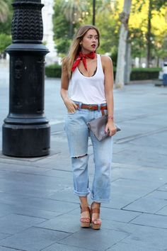 Casual neck scarf style.