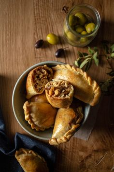 Argentina Food, Empanadas Recipe, Food Poster Design, Malaysian Food, Pastry And Bakery, Food Hacks, Mexican Food Recipes, Food Photography, Yummy Food