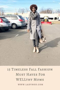 Fall reminds me to let go of the summer feels and dive into my closet for 15 timeless Fall fashion must haves for WELLthy Moms like myself. Classic Chic, Casual Chic Style, Mom Style Fall, Wife Mom Boss, Turtleneck T Shirt, Effortless Chic, Summer Feeling, African Fashion, Fashion Women