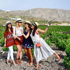 Girls! ❤️ It's been such a special trip! #greece ------- Girls! Viagem mais que especial!❤️ #abelezanasceunagrecia #chegoukorres @korresbr