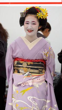 舞妓 maiko 富久春 Fukuharu 祇園東 KYOTO JAPAN