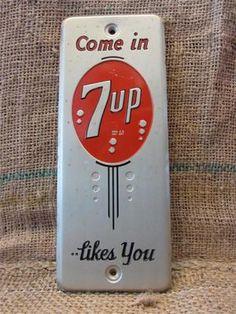 Vintage Metal Door Push Sign Antique Old Cola Soda Pop Store 7830 Advertising Signs, Vintage Advertisements, Ebay Advertising, Vintage Ads, Vintage Tools, Vintage Signs, Antique Signs, Antique Items, Soda Bottles
