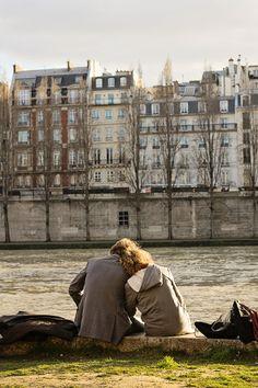 Paris lovers.