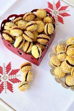 Chiarapassion: Biscotti Novariso e Xmas Package Biscotti Cookies, Cake Cookies, Italian Cookies, Four, Cookie Bars, No Bake Desserts, Italian Recipes, Xmas, Christmas Time