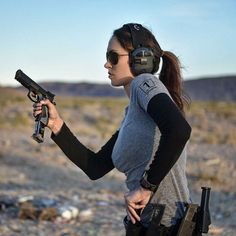 What's your favorite range pistol? ・・・ Some reload practice Ear pro: Shooting Guns, Shooting Sports, Female Soldier, Military Women, Hunting Rifles, Military Weapons, Guns And Ammo, Bikini Girls, Hand Guns