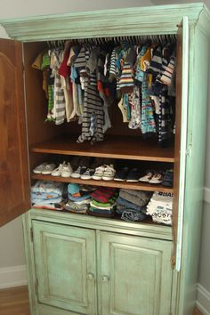 OMG!! I Love This And Have Am So Doing This Cause I Have This Hutch!!!