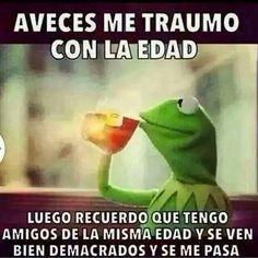 Se me pasa. Funny Spanish Memes, Spanish Humor, Funny Memes, Jokes, Spanish Quotes, Funny Cute, Hilarious, Mexican Memes, Smart Quotes