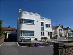 four-bedroom art deco property in Penrhyn Bay, Llandudno, Conwy, North Wales A renovated art deco gem, with an exterior that's embodi. Old Style House, Art Nouveau, Bauhaus Art, Balustrades, Streamline Moderne, Art Deco Movement, Art Deco Buildings, Art Deco Home, Building Art