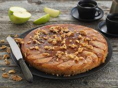Pannebakt eplekake med karamell - BREMYKT Camembert Cheese, Goodies, Dairy, Pie, Baking, Desserts, Food, Sweet Like Candy, Torte