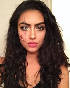 45+Stunning Halloween costumes for women's creativity and unique ideas - Crushappy Blog #halloween #halloweenparty #halloweendecorations #halloweengirl #halloweenfashion #fashion #halloweenwomen #beauty