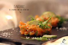 tartare saumon fumé & citron vert Steak Tartare, Seitan, Fresh Rolls, Tofu, Cantaloupe, Entrees, Vegetarian Recipes, Food Photography, Fish