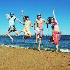 Viva la playa con #Molacoton! Ayer hicimos unas nuevas fotos divertidas que os van a energizar!  #Molacoton #molamonton #turkishtowel #toallaturca #fouta #pareo #peshtamal #peshtemal #pestemal #pestamal #color #fashion #sustainablefashion #modasostenible #moda #natural #viaje #viajar #viajero #travel #traveler #traveling #beach #playa #verano #summer