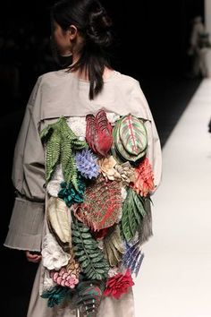 """""""Em Hoa"""" Collection by Nguyen Cong Tri - Tokyo Fashion Week AW 2017"""